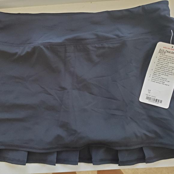 lululemon athletica Dresses & Skirts - Pace setter black skirt Size 10 R